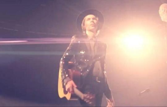 Beck endurtúlkar Sound And Vision