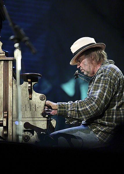 Neil Young & The Crazy Horse til Íslands